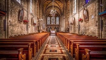 До чого сниться церква – сонник, тлумачення сну про церкву, храм і свічки, батюшку, вінчання і відспівування в церкві